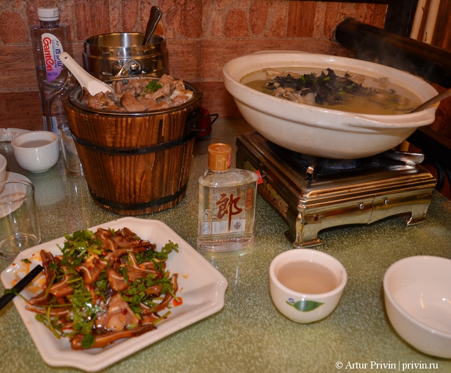 Где-поесть-в-Чжанцзяцзе