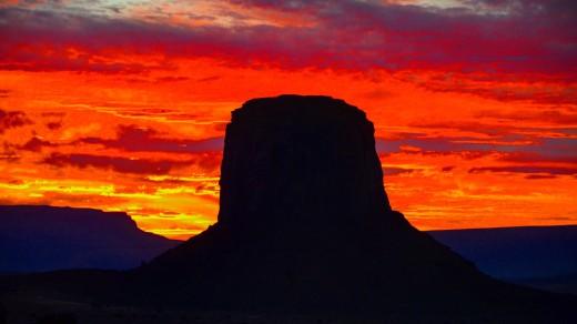 Закат в Долине Монументов