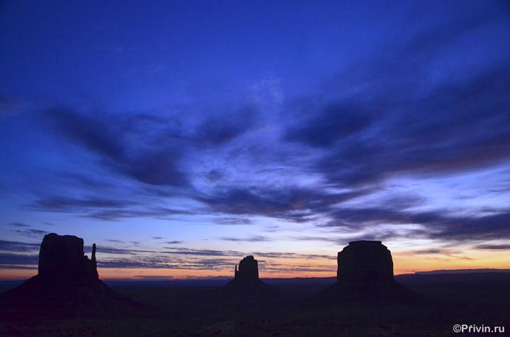 Рассвет в Долине Монументов